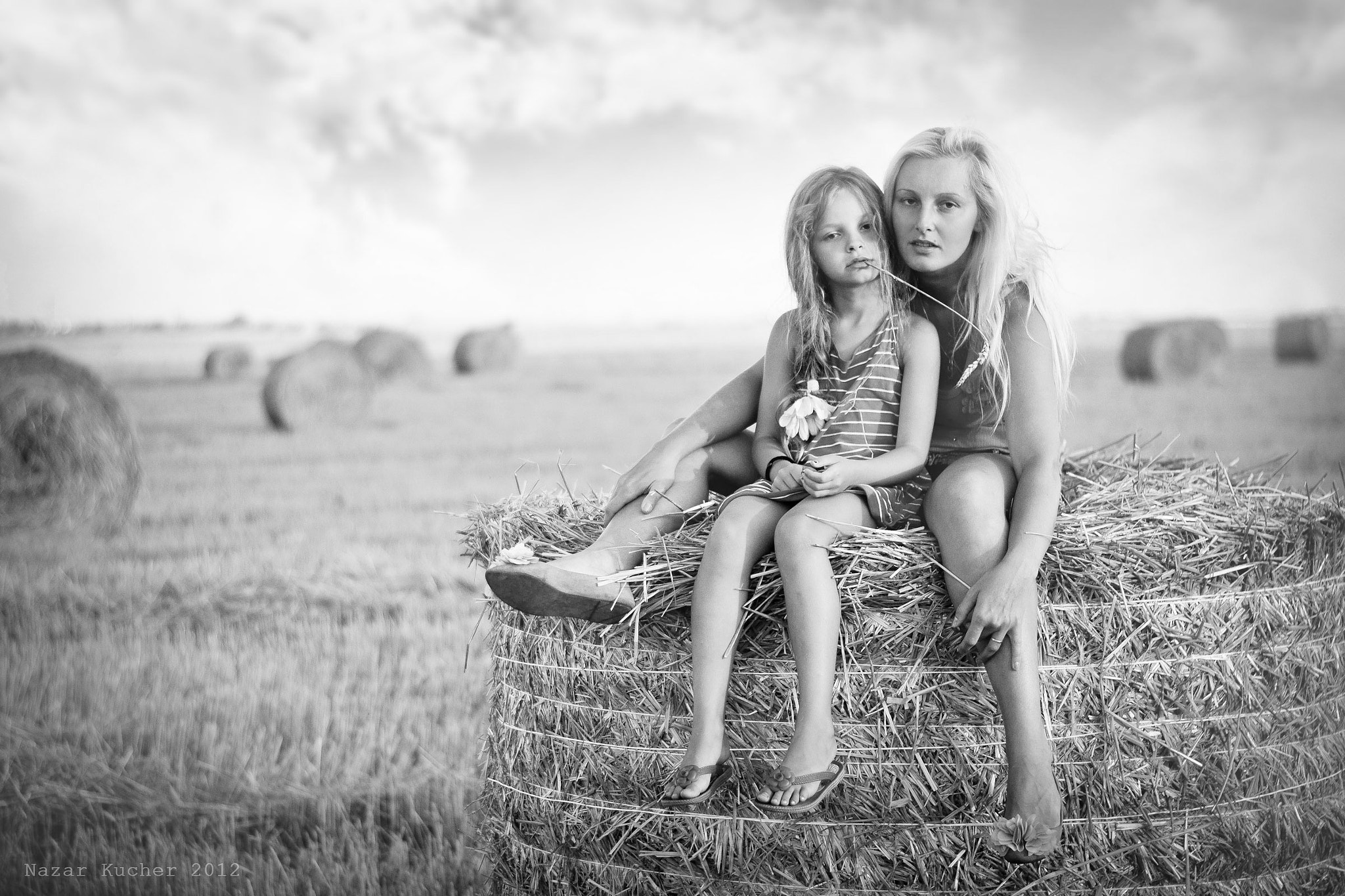 Photograph hay&daughter and mother by Nazar Kucher on 500px