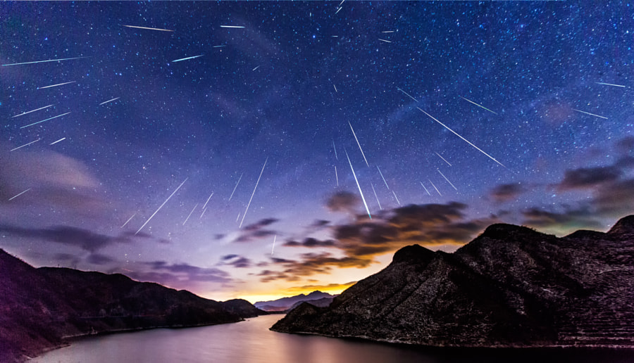 Meteor Shower by huaxia sutuan on 500px.com