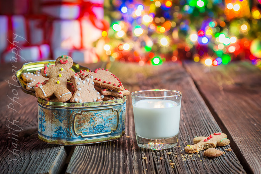 Gingerbread and Milk for Christmas by shaiith on 500px.com