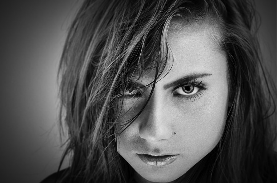 Portrait © Mihai Cvasnievschi (XaviRo) - http://xavi.ro
