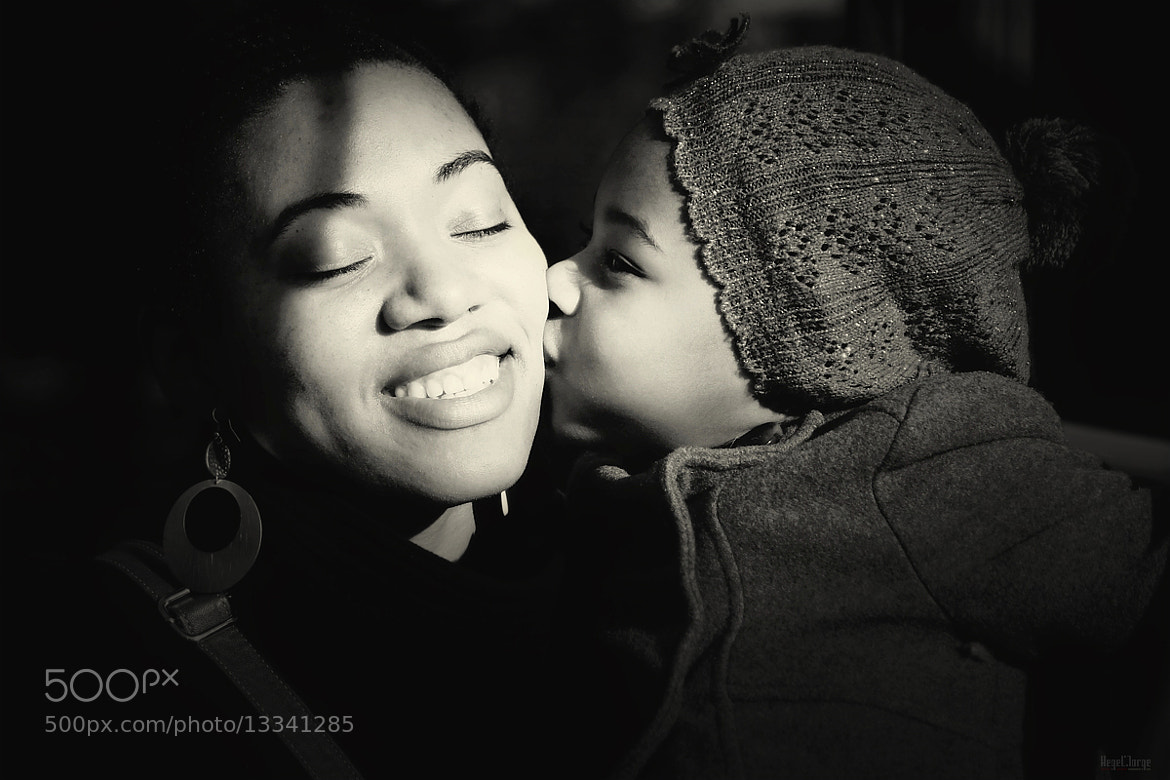 Photograph daughter kiss by Hegel Jorge on 500px