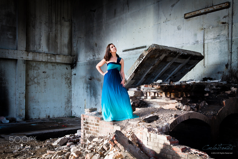 Photograph O Vestido Azul by Carlos Fontes on 500px