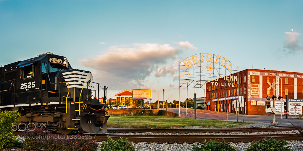 Photograph 2525 and the Bristol Sign Panorama by Greg Booher on 500px