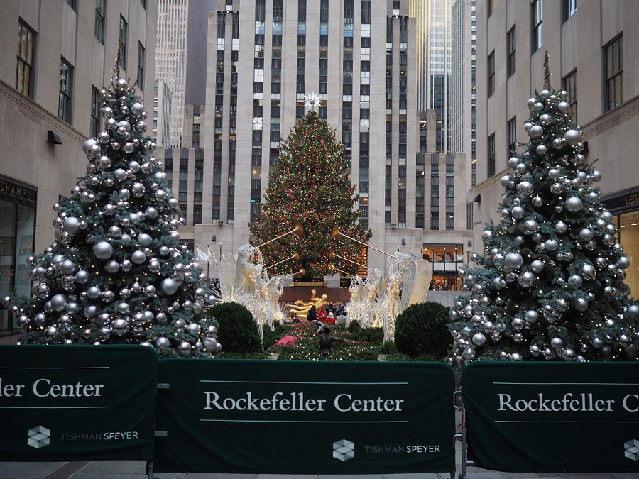Early Morning at Rockefeller Center by Nancy Lundebjerg on 500px.com