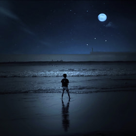 ★ Night beach boy by Ken Ohsawa (KEN_yokohama)) on 500px.com