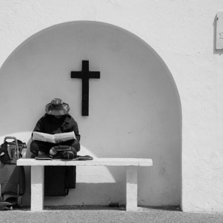 Leyendo la biblia?