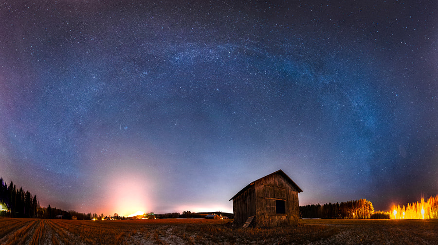 Old Barn by Sami Multasuo on 500px.com