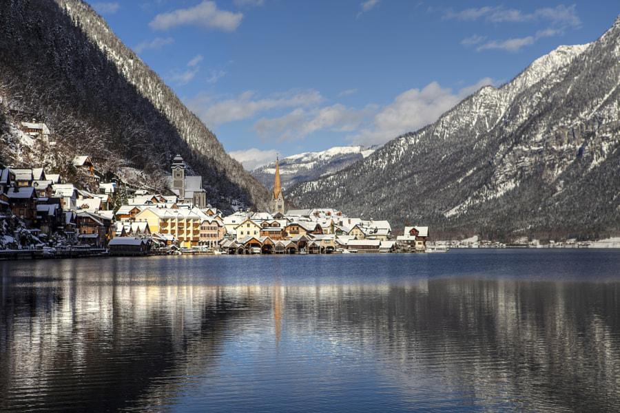 Winter Reflections in Hallstatt, автор — Béla Török на 500px.com