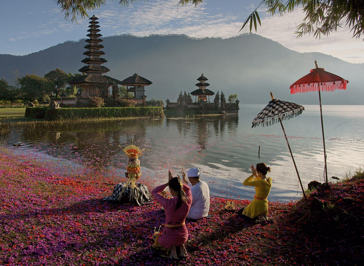 Photograph The Prayers by Cherly Jong on 500px