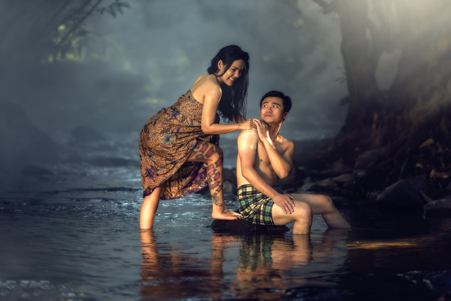 couple poses - Couple romantic bathing by Sasin Tipchai on 500px.com