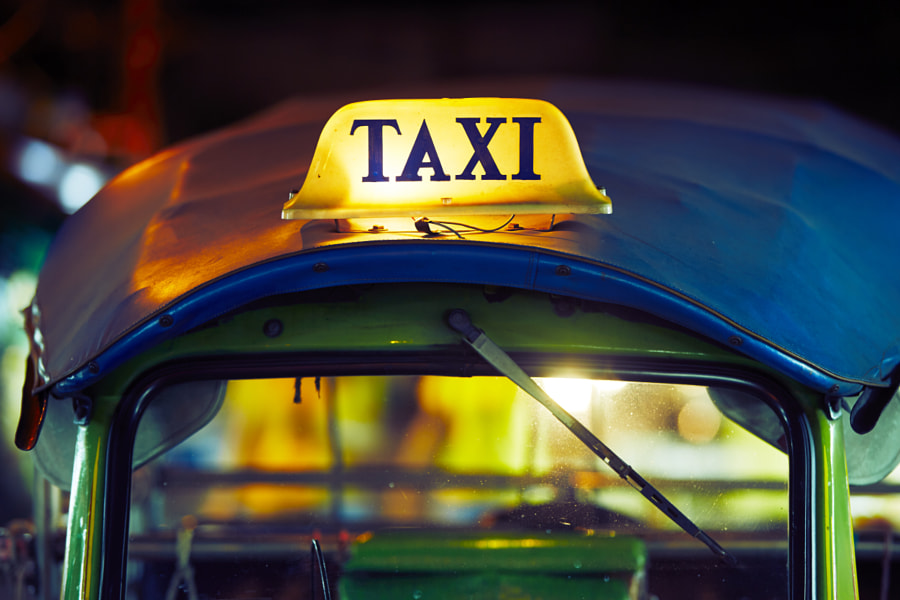 Tuk Tuk Taxi sign by Jaromír Chalabala on 500px.com