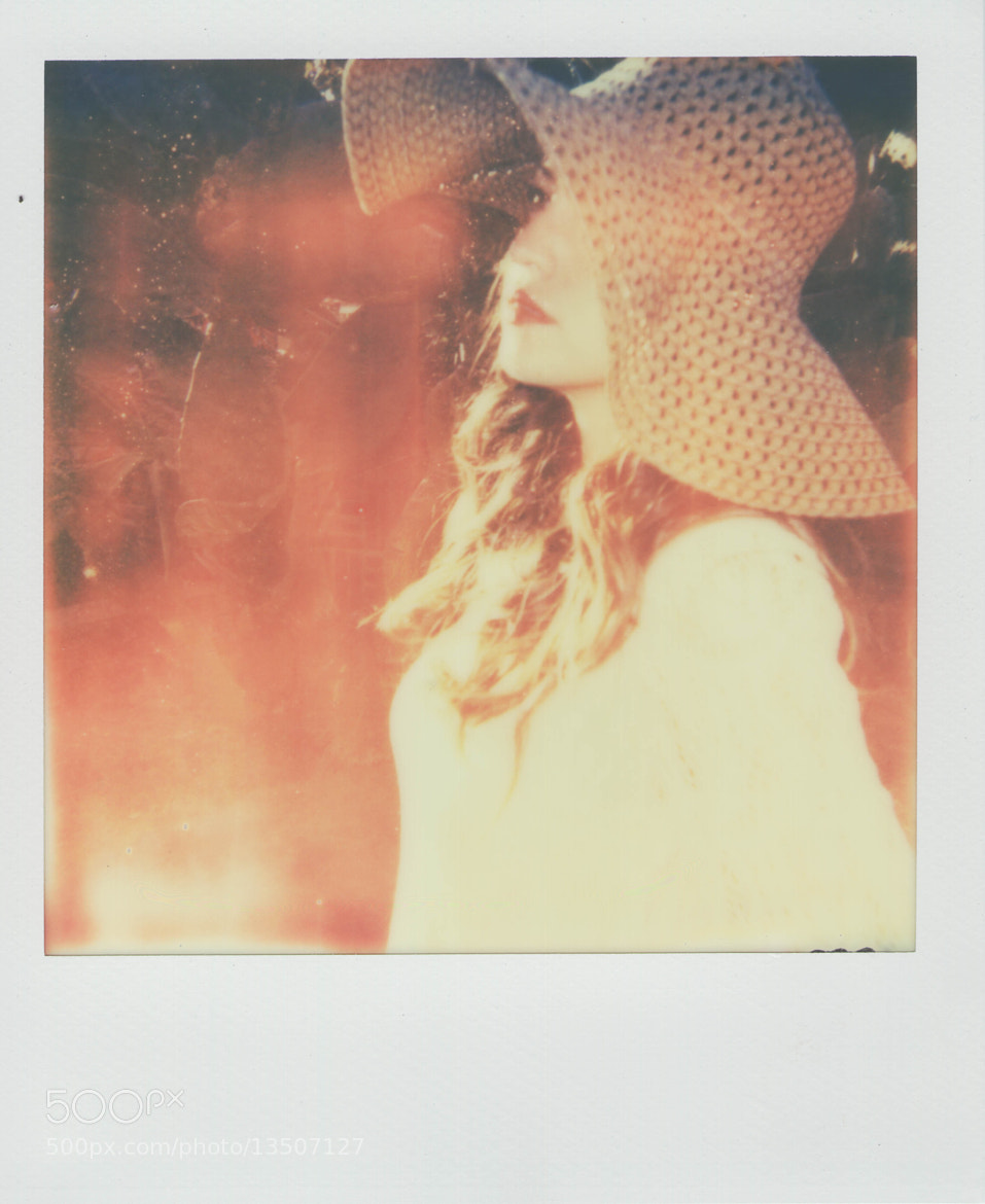 Photograph 50's glam polaroid style by Cyndi Caviedes on 500px