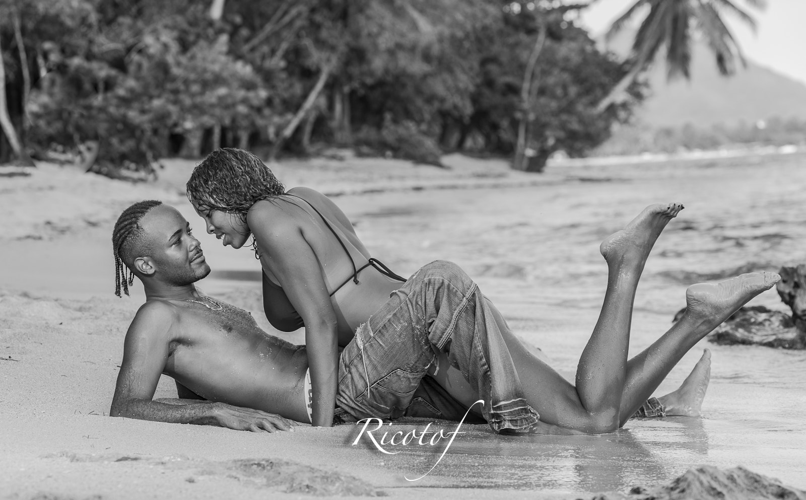 Photograph Laurent & Sophie BW by RicoPhotography  on 500px