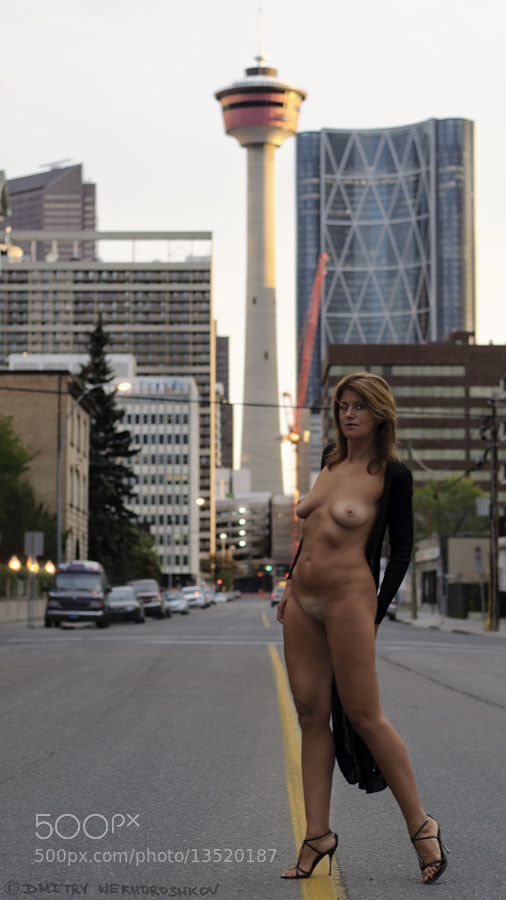 naked women in calgary