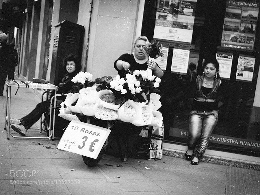 Photograph 10 Rosas 3€ by Mario Galiana on 500px