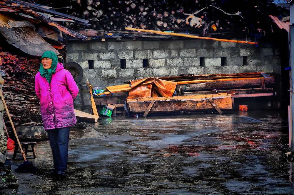 Photograph Dirty job. by Jumrus Leartcharoenyong on 500px