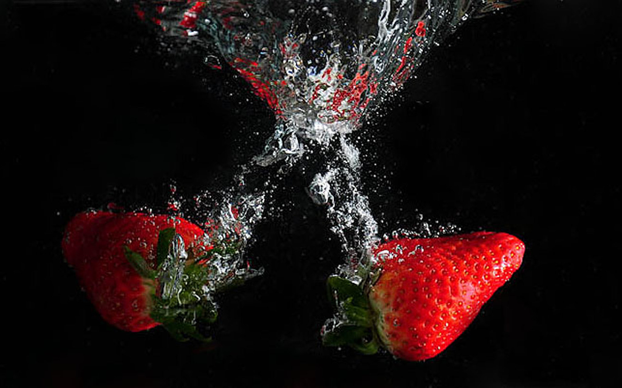 Photograph Strawberry Splash by Elaine Hughes on 500px