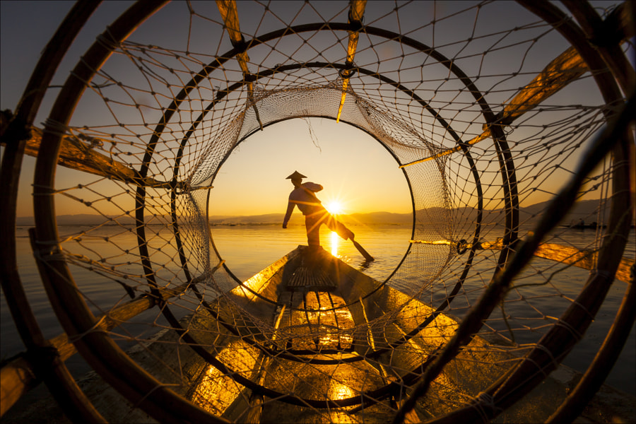 Fisher in Inle lake by keehwan Kim on 500px.com
