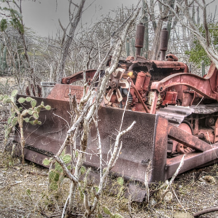 Old Bulldozer, Fujifilm FinePix F450
