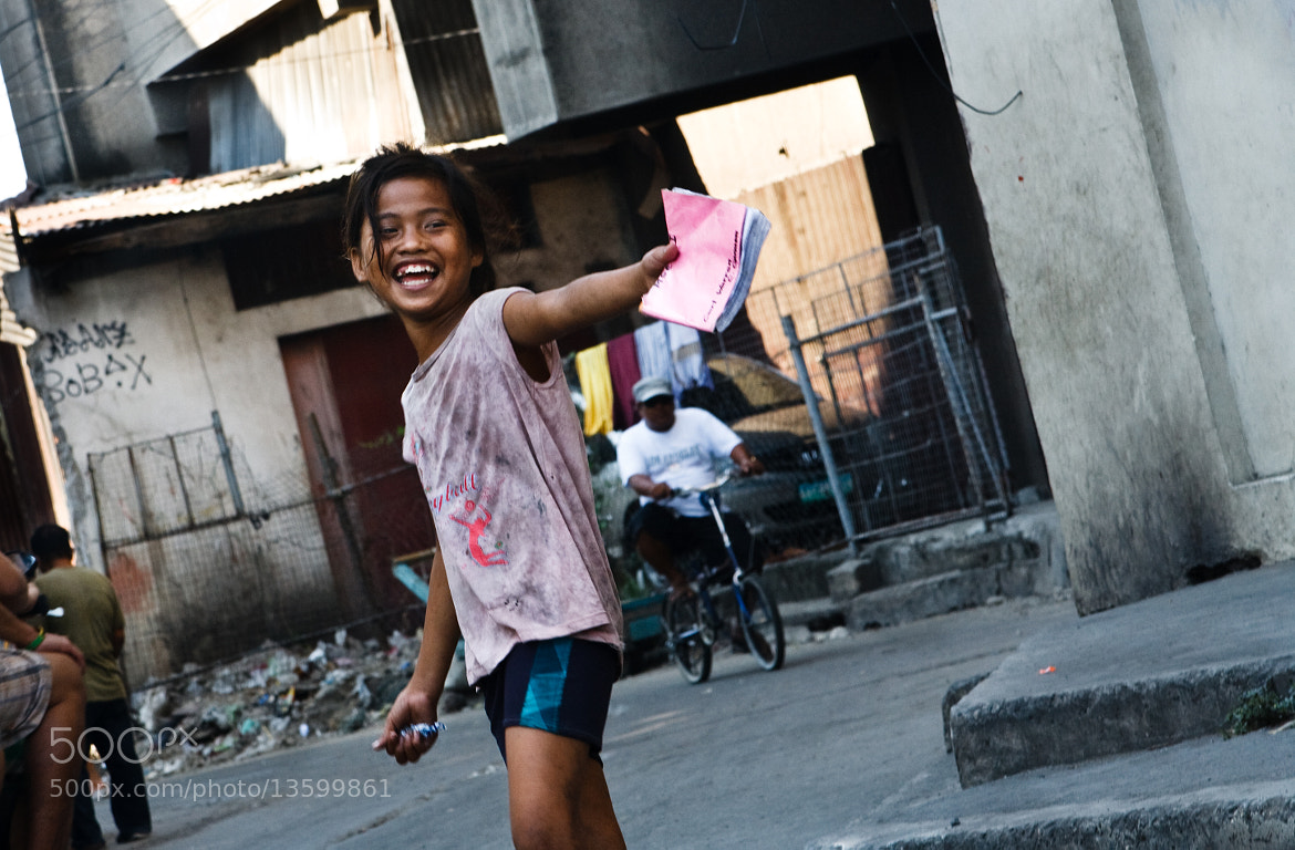 Photograph a laugh by rafael gandi on 500px