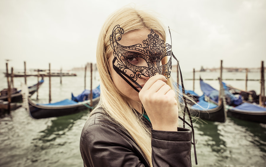 Woman with carneval mask in Venice by Cristian Negroni on 500px.com