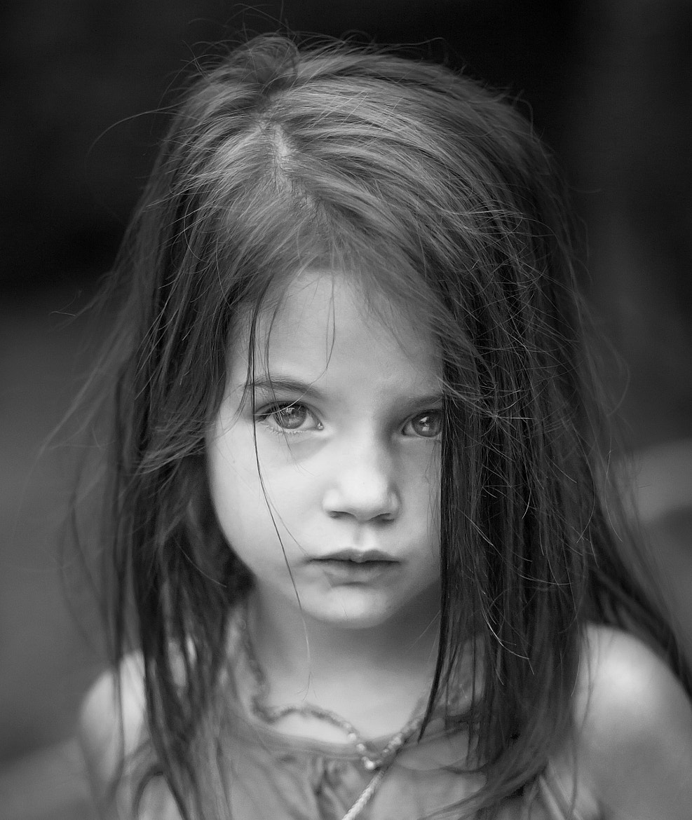 Photograph Regard d'enfant by Kermaron Zot on 500px