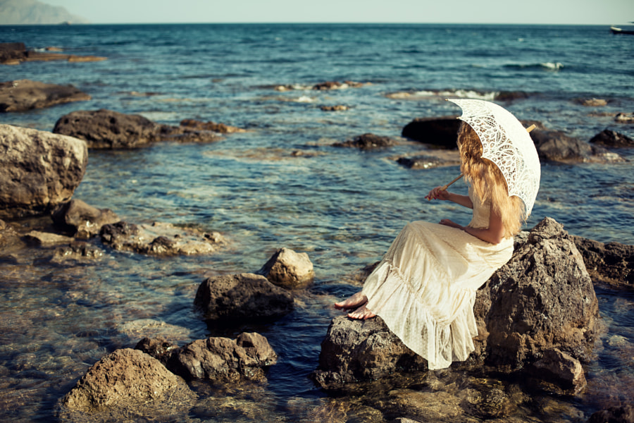 Beautiful young woman on the beach. Ocean by Oleg Gekman on 500px.com