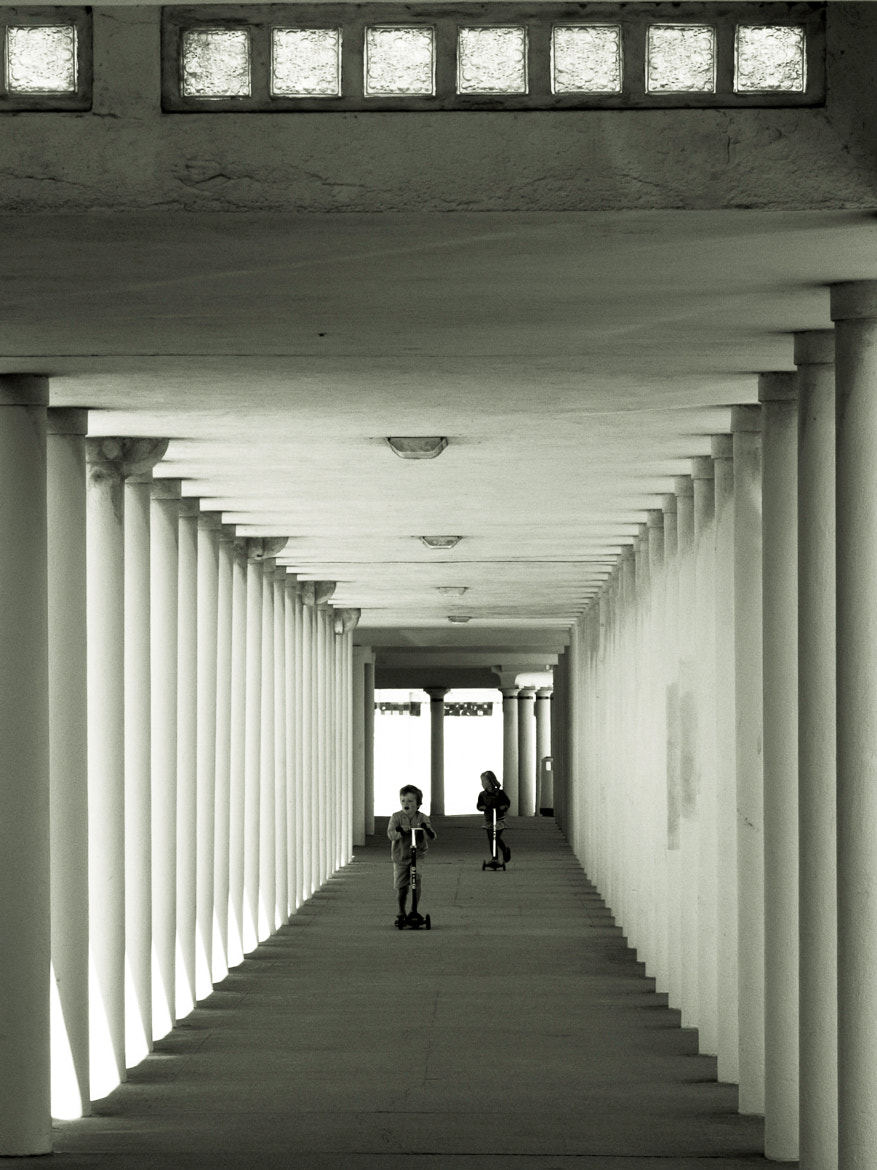 Photograph Colonnes by Lucien Vatynan on 500px