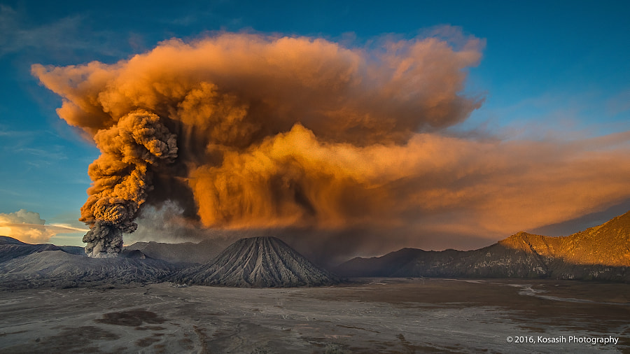 Bromo Eruption by Andry Kosasih on 500px.com