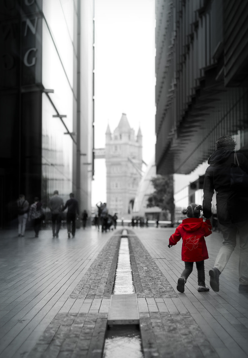 Photograph London in a Red Coat by Alessandro Reffo on 500px