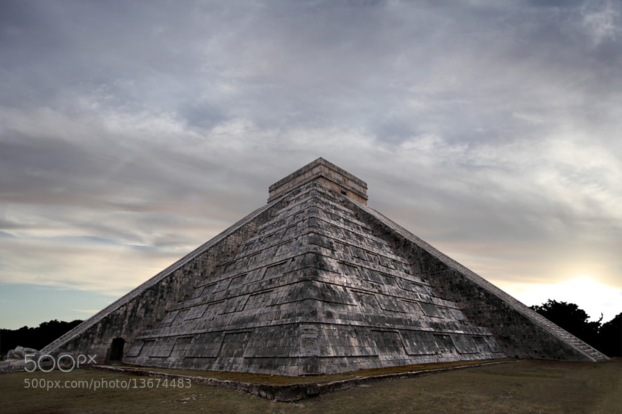 Pirámide de Chichén Itzá by Juan Arturo Ochoa (ochoart)) on 500px.com