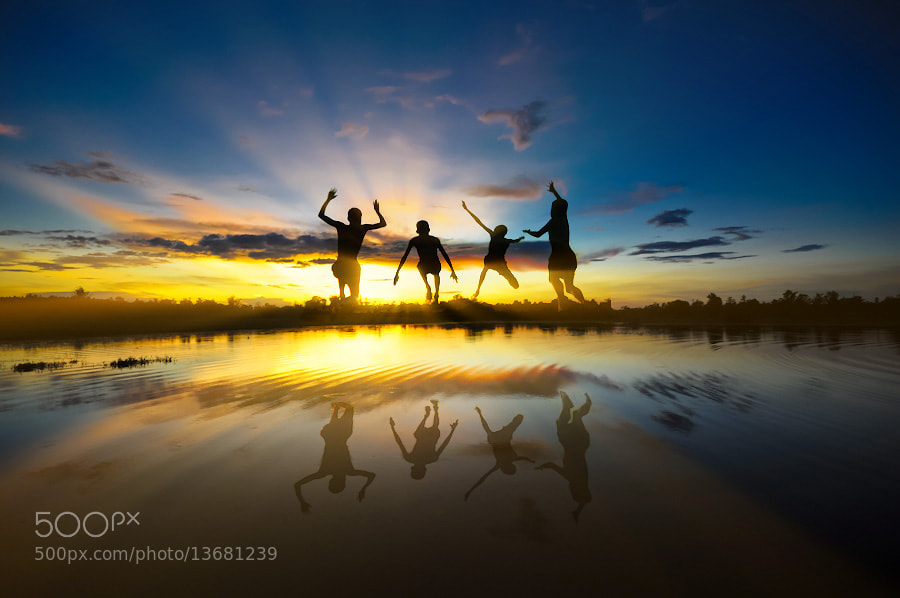 Photograph Friends by Chanwit Whanset on 500px