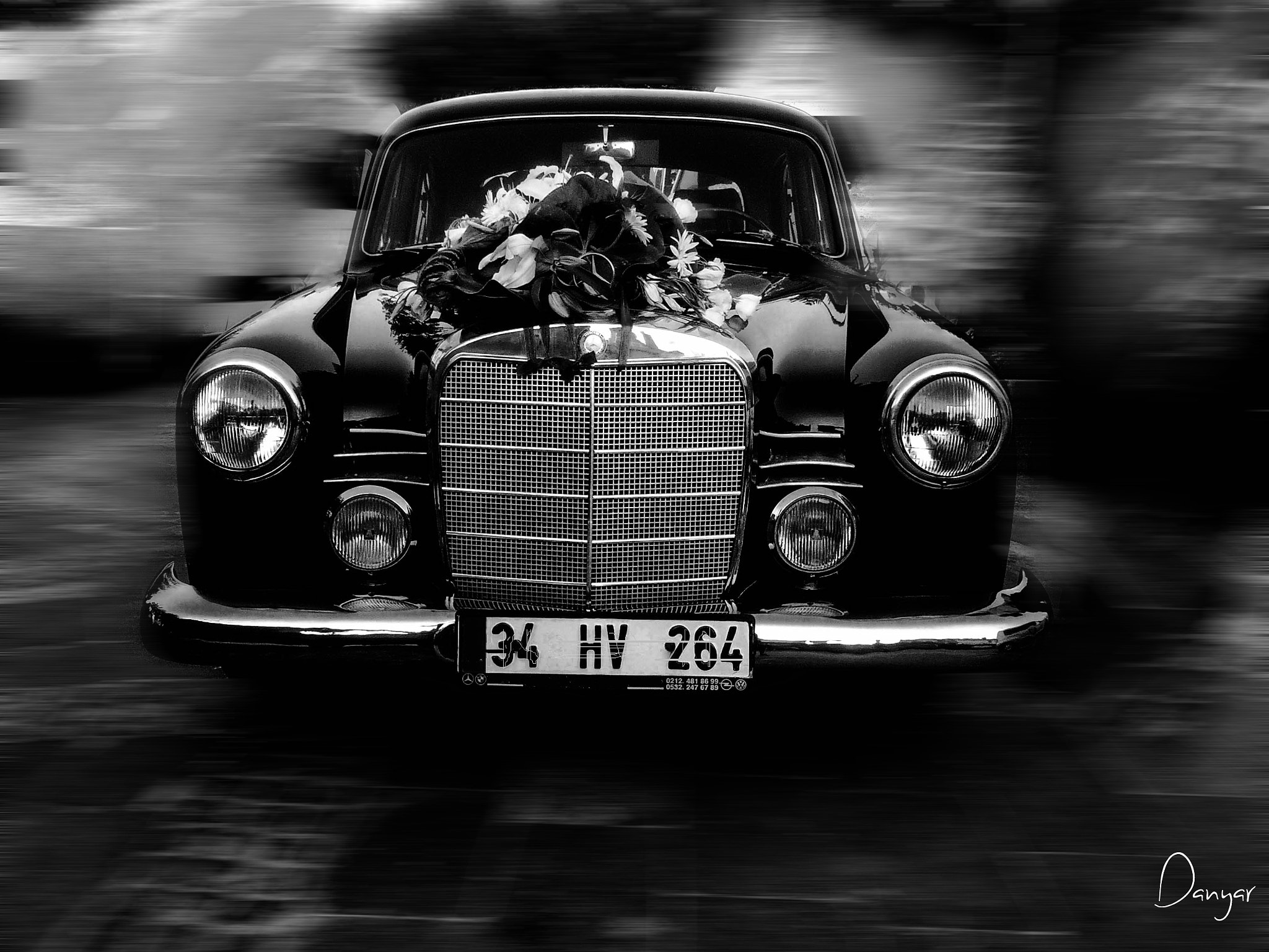 Photograph An old wedding car by Red Danyar on 500px