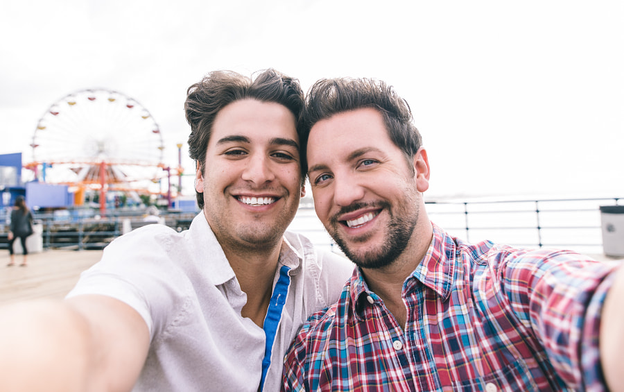happy couple in love  in Santa monica on the pier by Cristian Negroni on 500px.com