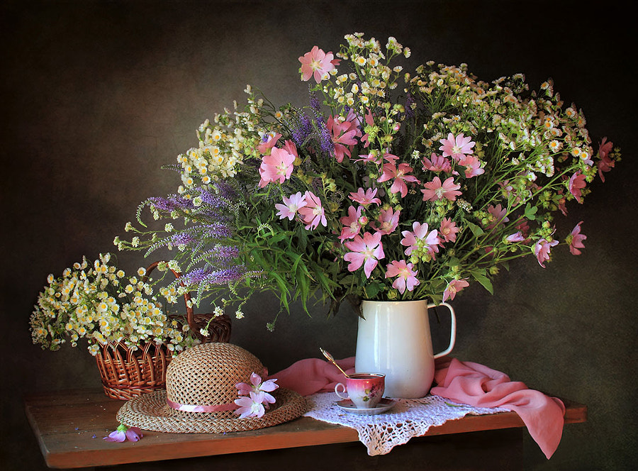 Summer still life with meadow flowers, автор — Tatiana Skorokhod на 500px.com