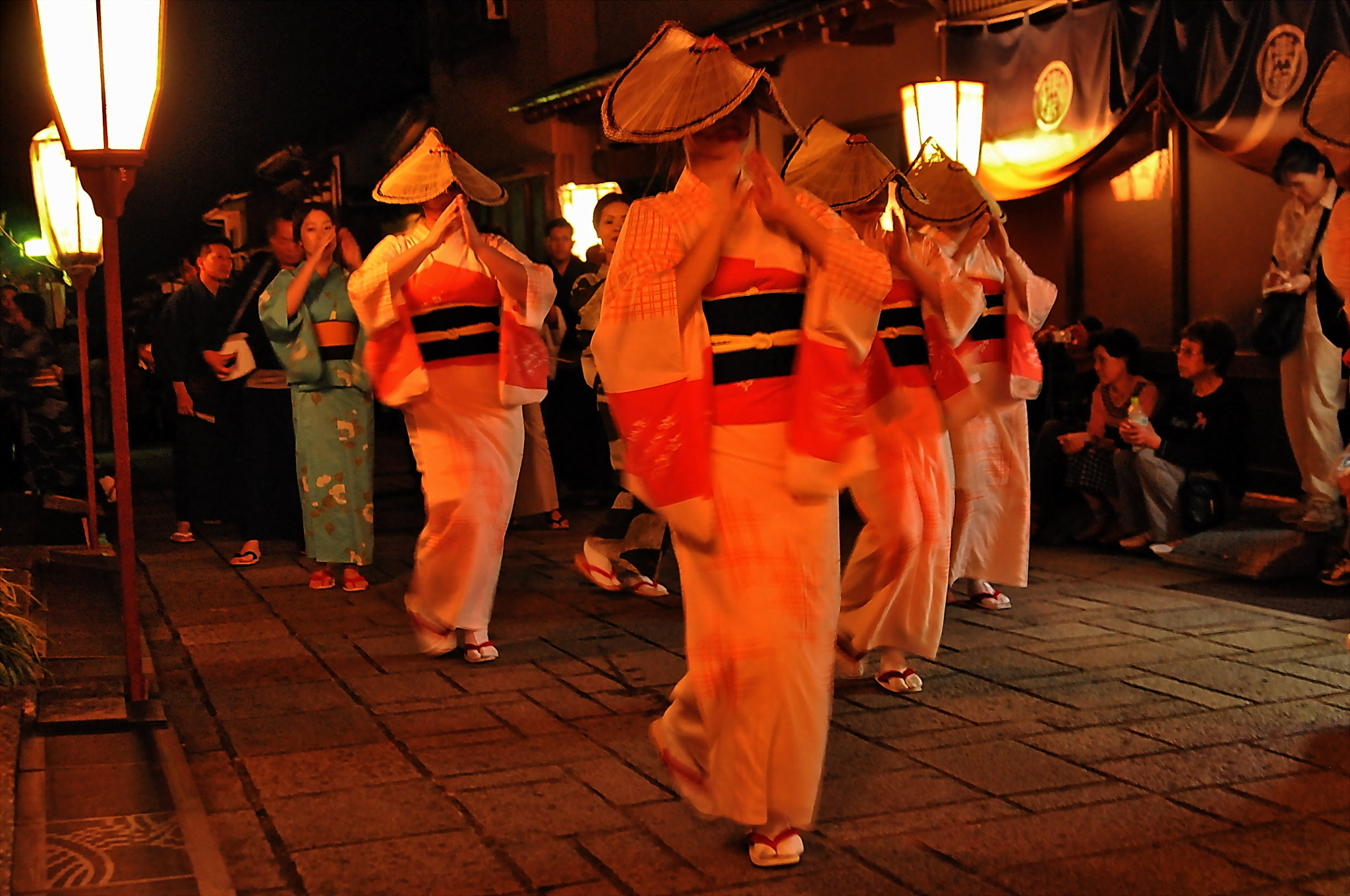 Photograph Late-night dancers of Owara by KEN OHSAWA on 500px