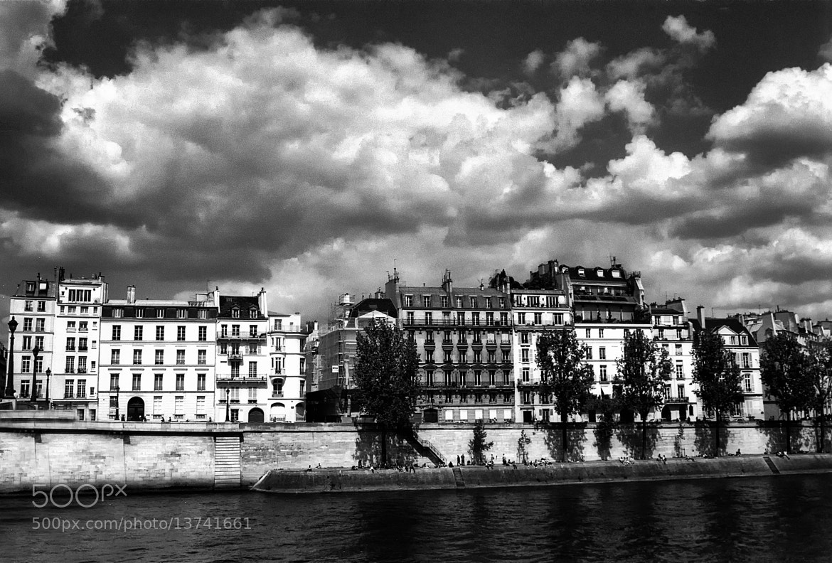 Photograph Paris, La Seine by mike  lang on 500px