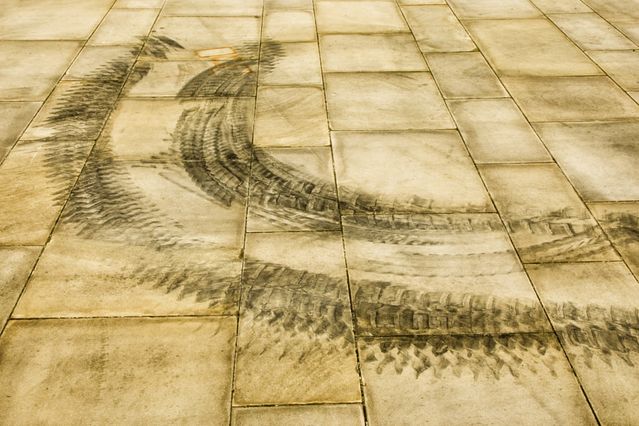 Patterns on paving 1