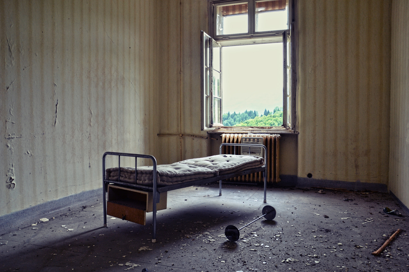 Photograph what was left by Magdalena Moerkl on 500px