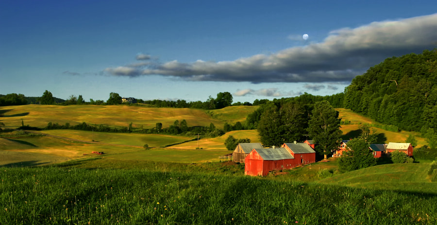 Jenne Farm is located just south of Woodstock,VT. A highly photographed farm