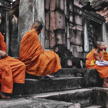 Novice Buddhist monks at Khmer temple