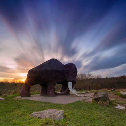 Prehistoric sunset, Canon EOS-1DS, Sigma 17-35mm f/2.8-4 EX DG Aspherical HSM