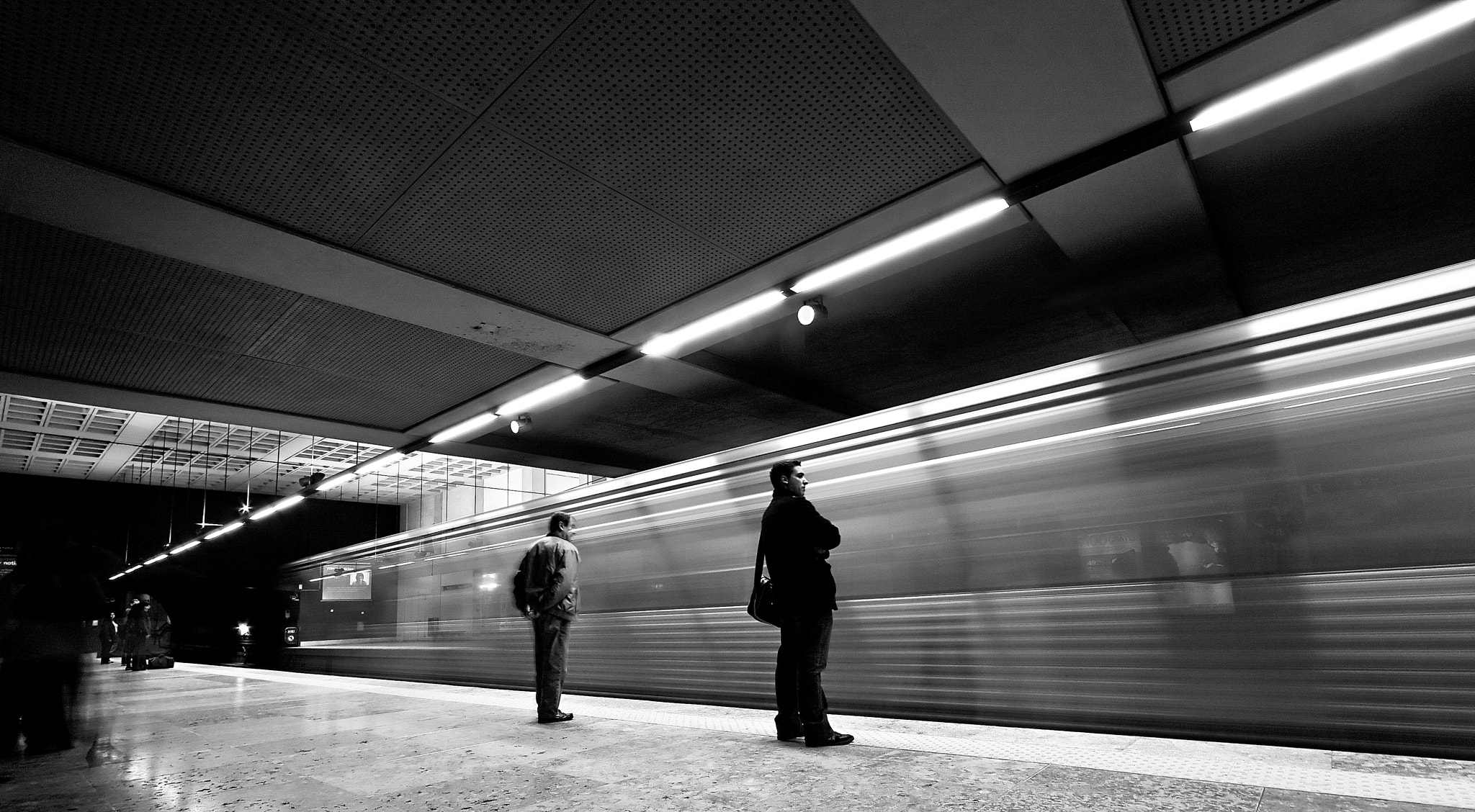 Photograph the subway by Sérgio Bernardino on 500px