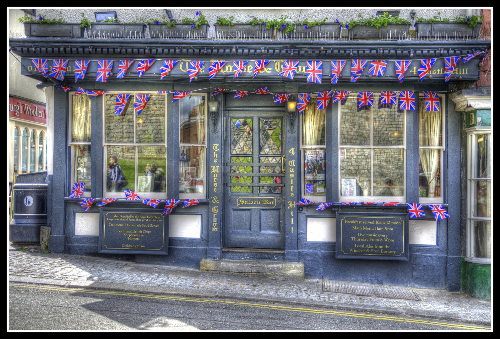 Photograph English Pub by Claudia Gadea on 500px