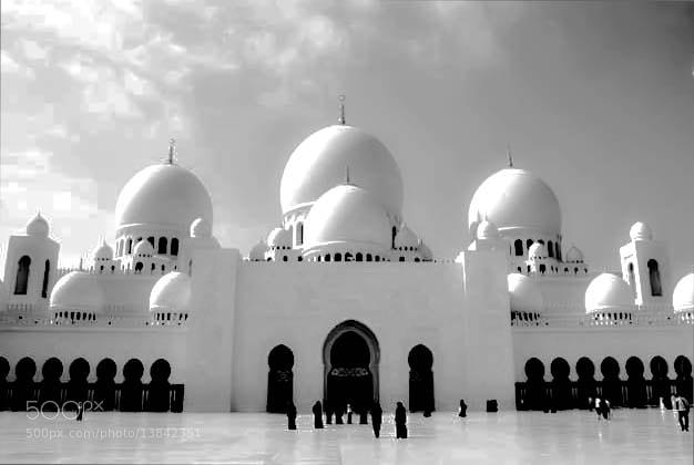 Photograph The Grand Mosque, Abu Dhabi by julian john on 500px