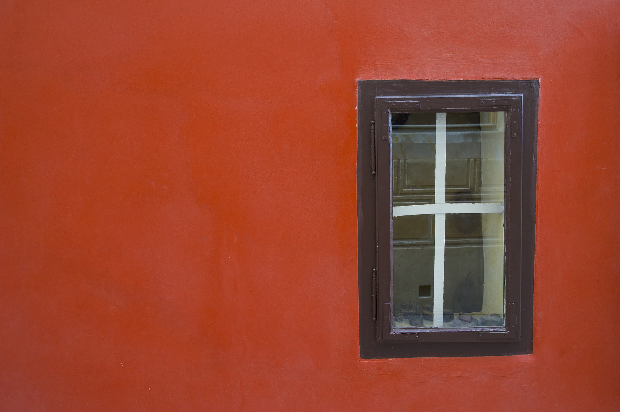 Photograph Window in red by Pedro Martínez on 500px