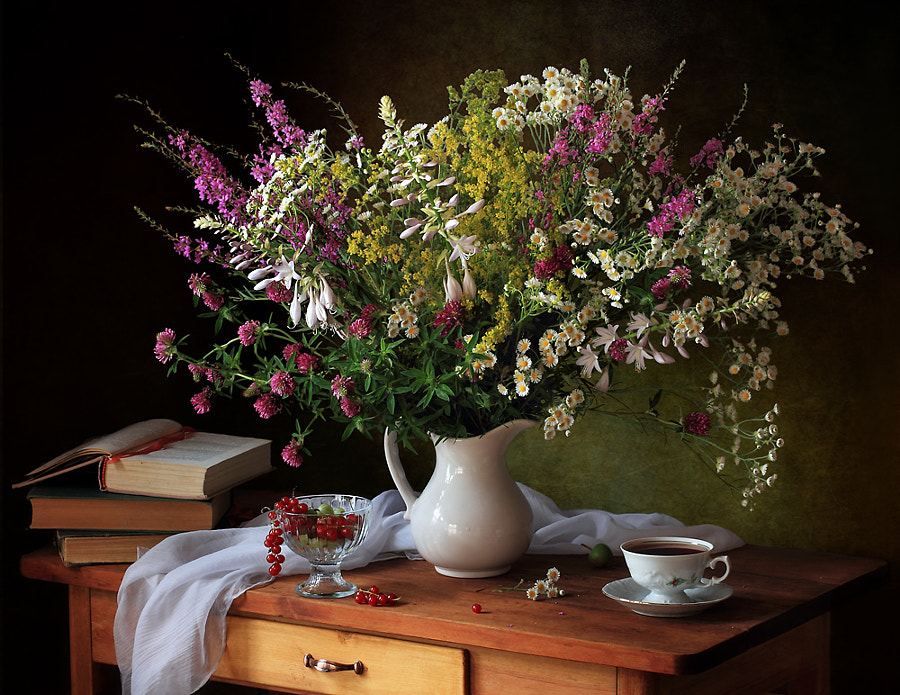 Still life with meadow flowers, автор — Tatiana Skorokhod на 500px.com