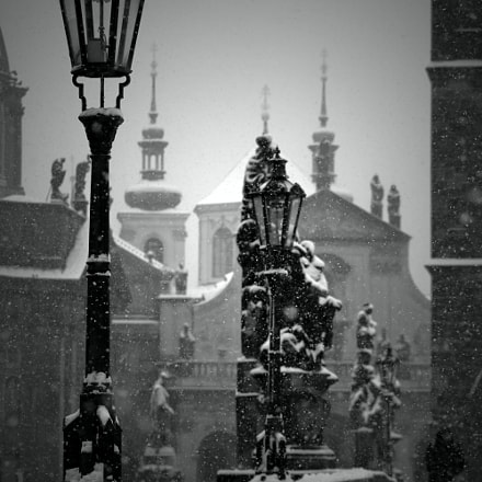 Snow in Prague, Canon EOS REBEL T6S, Sigma 70-300mm f/4-5.6 [APO] DG Macro