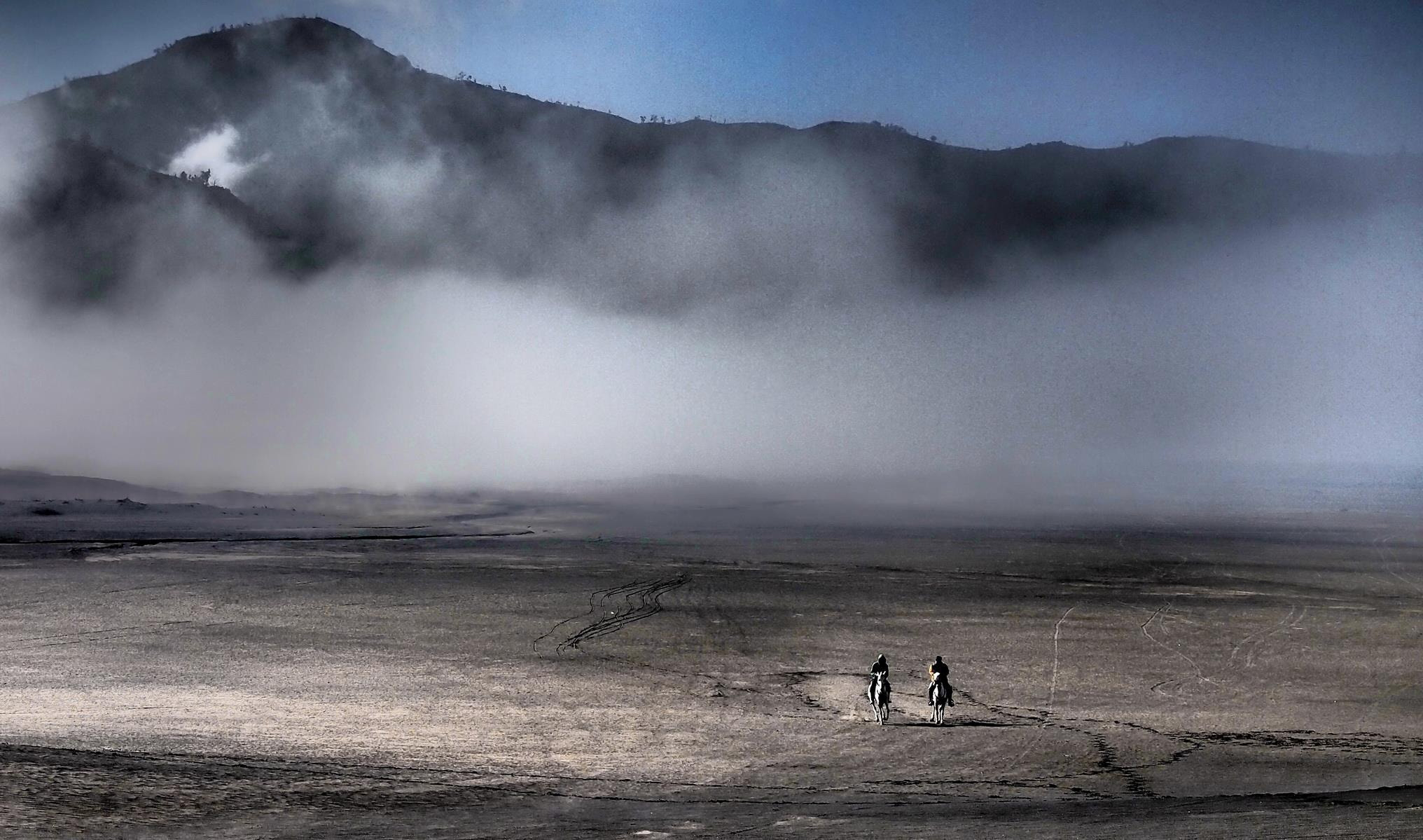 Photograph horse riders@Bromo by Mia Besari on 500px