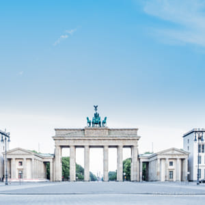 Brandenburger Tor in Berlin, early morning, nobody by Heather Balmain on 500px